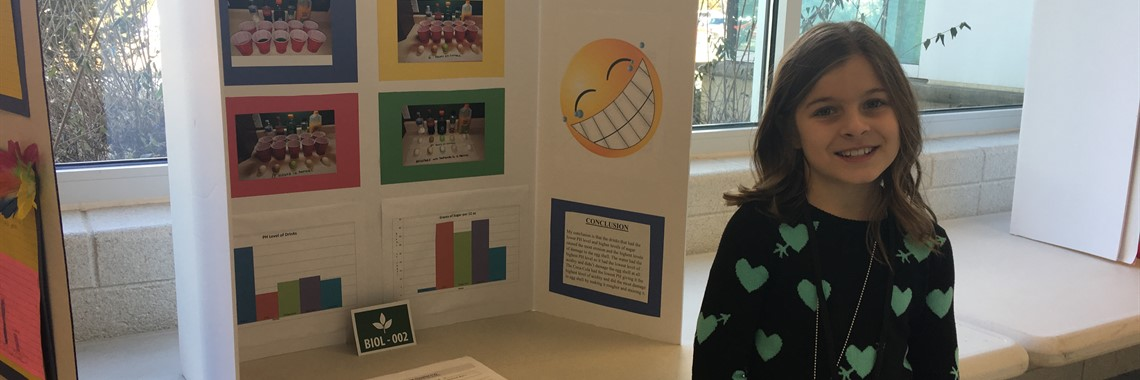 A student from Oakview Elementary participate in the 2018 ACTC-FIVCO Science Fair.